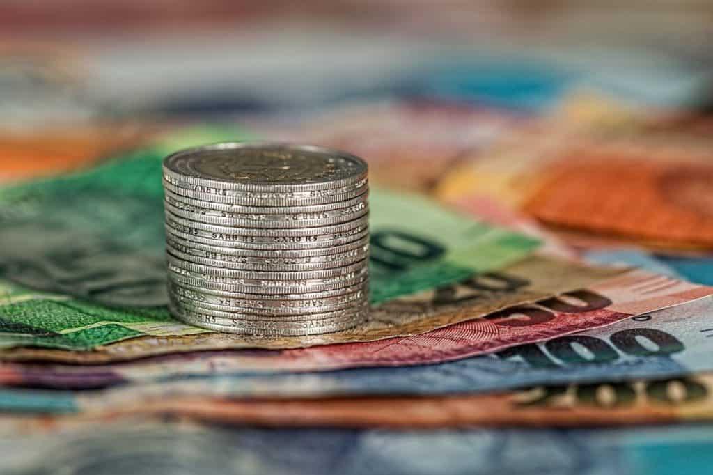 שטרות של כסף ומטבעות