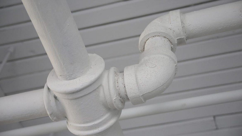 אילו נזקים מים יכולים לגרום בנכס לאורך זמן?